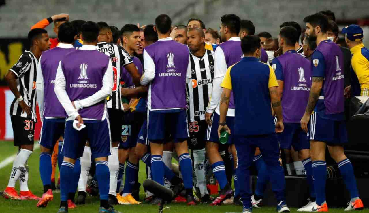Boca Atletico Mineiro rissa