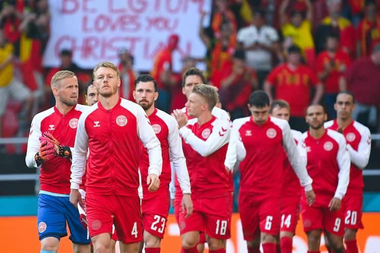 Il capitano danese emoziona sui social (Getty Images)
