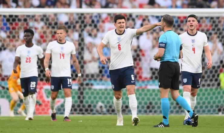 Inghilterra procedimento UEFA
