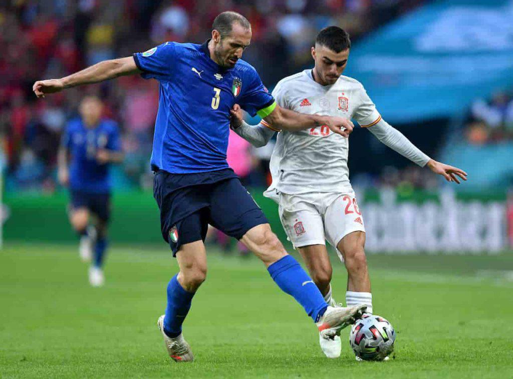 Italia Chiellini e Locatelli durante i rigori (Getty Images)