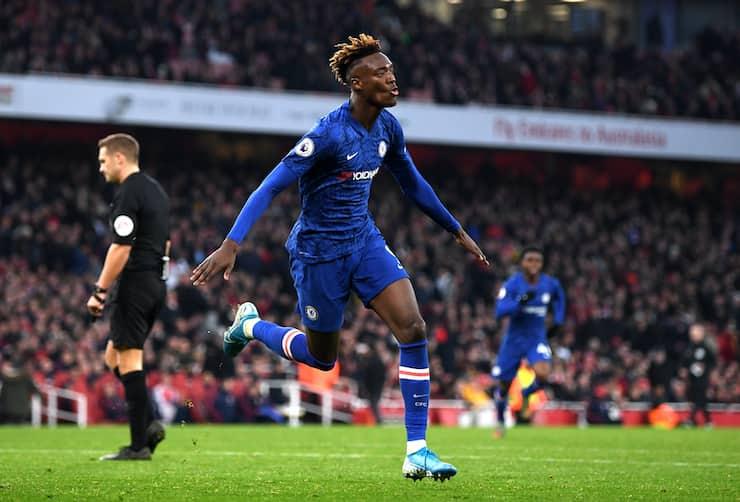 La Dea sull'attaccante del Chelsea (Getty Images)