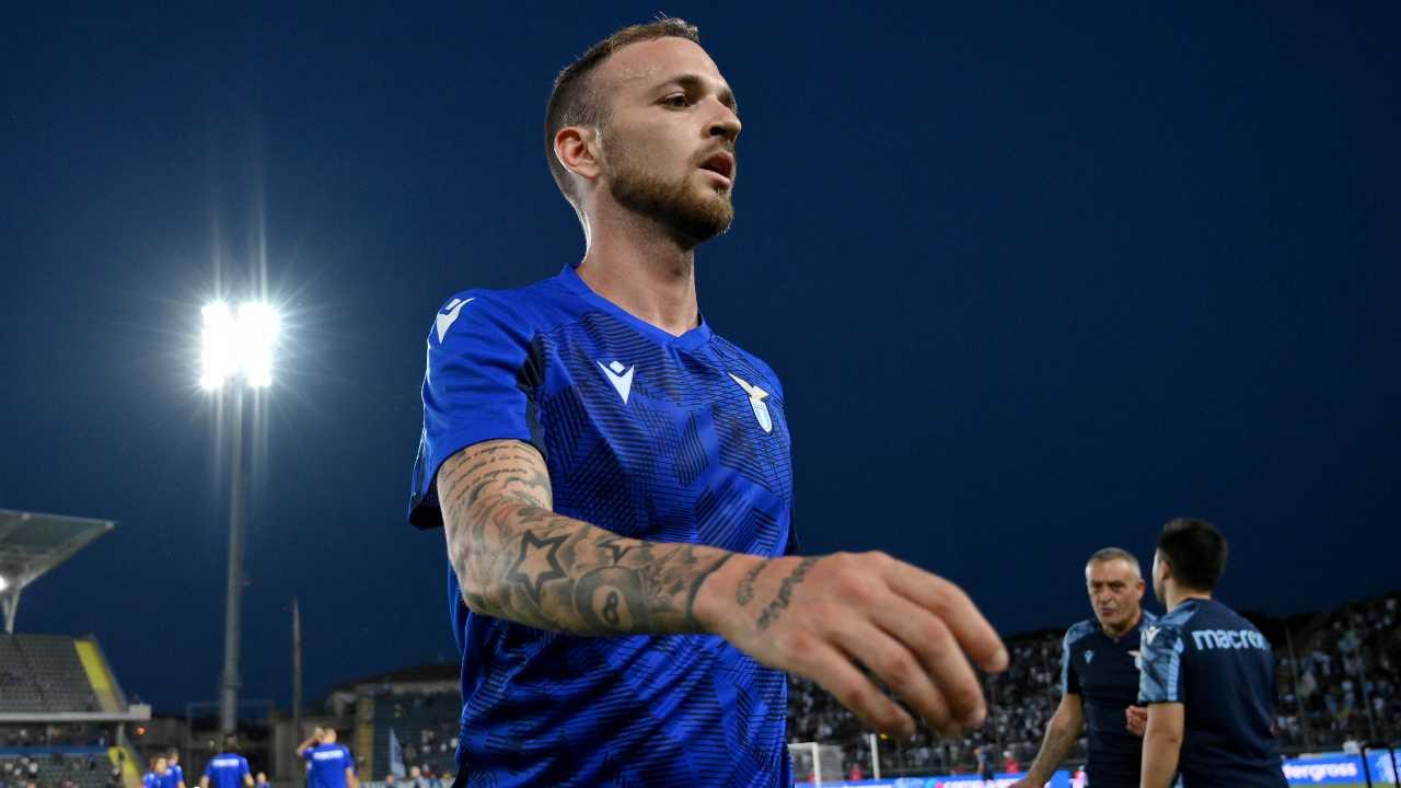 Lazio-Spezia, Lazzari infortunato: condizioni e tempi di recupero