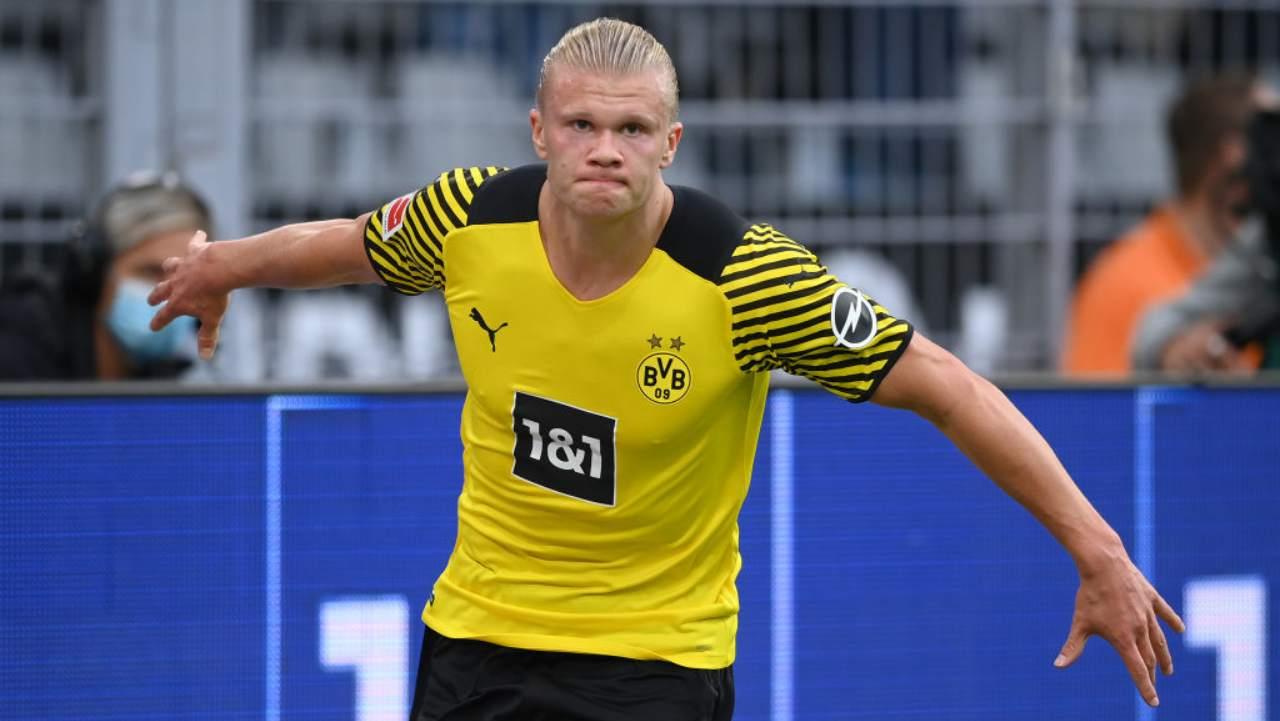 Haaland può lasciare il Borussia Dortmund: il messaggio che fa sognare i tifosi